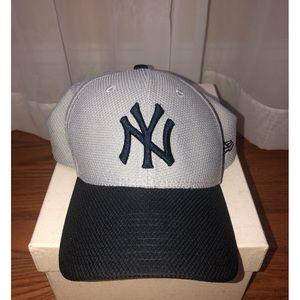 Women's New York Yankee Hat S/M